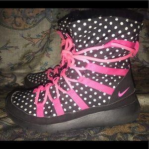 d4964ca62928 Women s Nike Roshe Boots on Poshmark